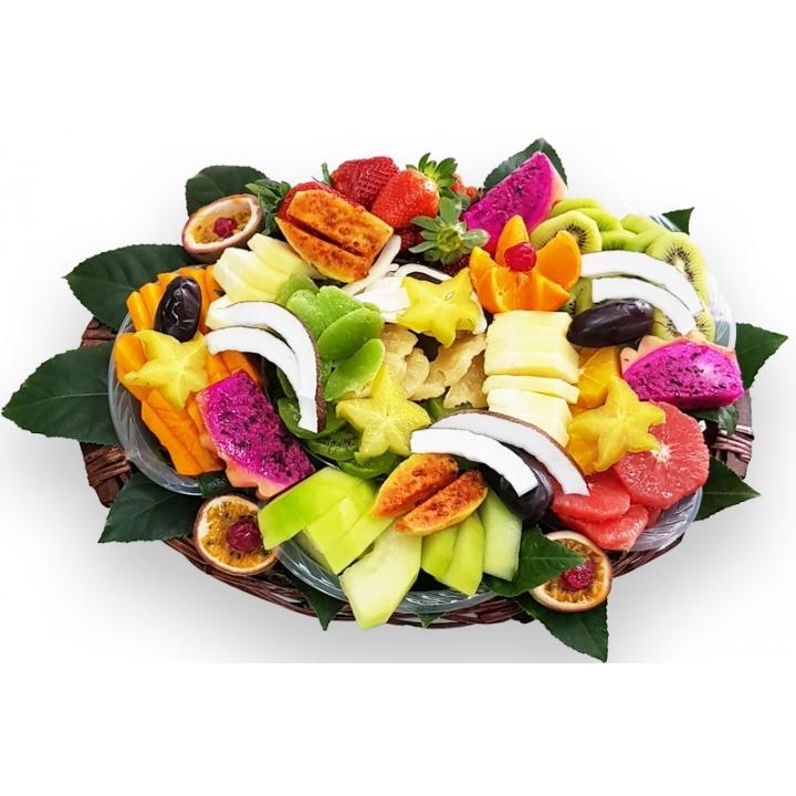 סלסלת פירות טרופיקנית